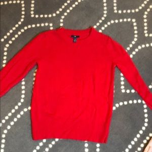 Red gap sweater